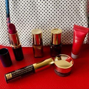 NEW Estée Lauder Favorites Beauty Collection